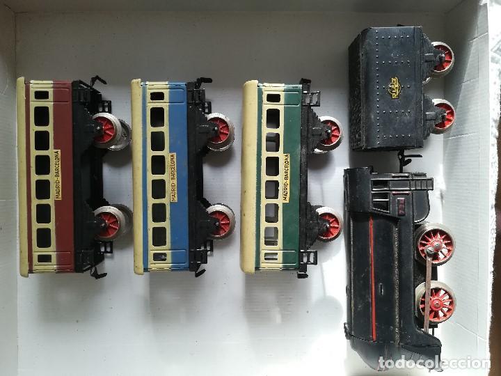 Juguetes antiguos Rico: Tren electrico 1020 , Marca Rico , en hojalata , falta limpieza , caja con desperfecto - Foto 2 - 96024863
