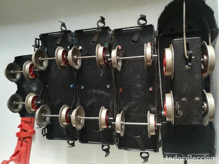 Juguetes antiguos Rico: Tren electrico 1020 , Marca Rico , en hojalata , falta limpieza , caja con desperfecto - Foto 5 - 96024863