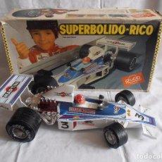 Juguetes antiguos Rico: COCHE SUPERBOLIDO MARTINI RACING CABLEDIRIGIDO RICO REF. 86, CAJA ORIGINAL FUNCIONANDO. Lote 97139619