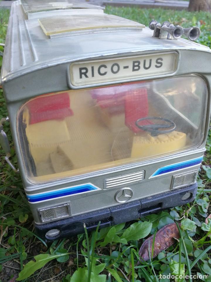 Juguetes antiguos Rico: ANTIGUO AUTOBÚS MERCEDES BENZ MARCA RICO, CABLEDIRIGIDO RICO-BUS, ORIGINAL AÑOS 70. FUNCIONA. - Foto 2 - 104049363