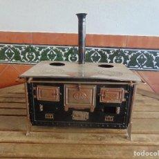 Juguetes antiguos Rico: COCINA EN HOJALATA DE LA MARCA RICO LE FALTAN 2 PUERTAS AÑOS 30 SIGLO XX. Lote 105326023