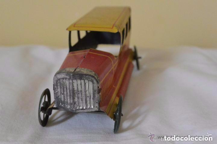 Juguetes antiguos Rico: Espectacular taxi de hojalata de RICO - Foto 2 - 112446155