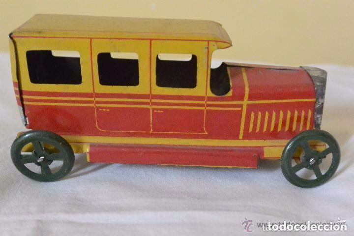 Juguetes antiguos Rico: Espectacular taxi de hojalata de RICO - Foto 3 - 112446155