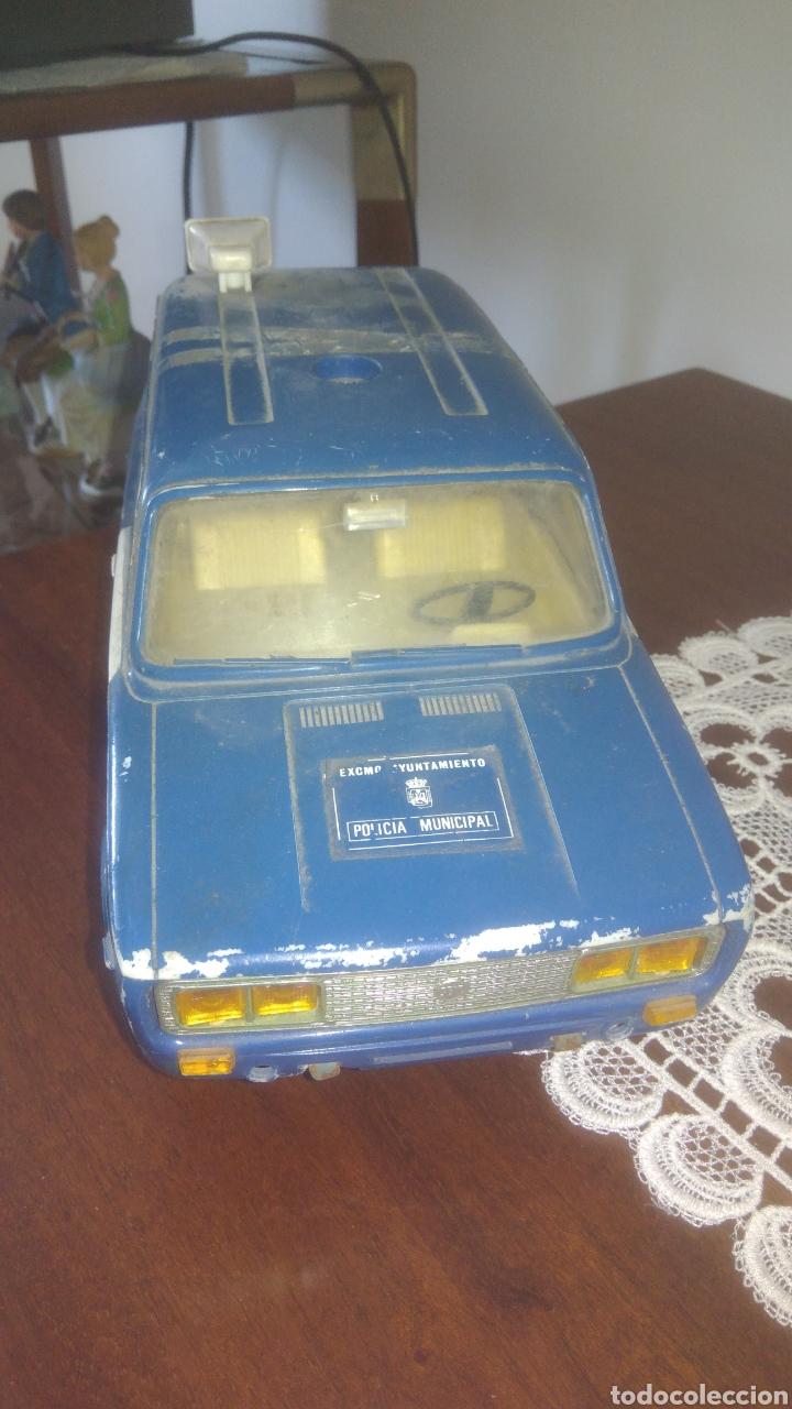 SEAT 1430 FAMILIAR POLICIA MUNICIPAL DE RICO. FRICCIÓN. CON ALGUNOS DEFECTOS.VER FOTOS (Juguetes - Marcas Clásicas - Rico)