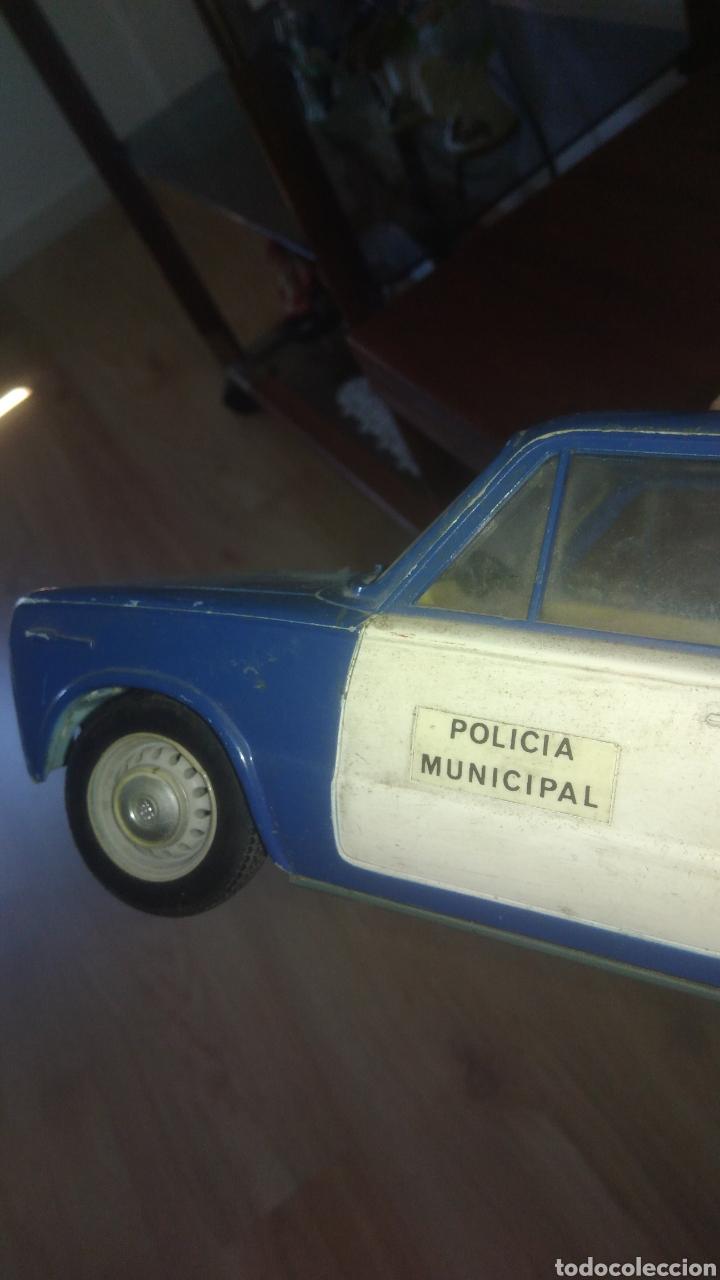 Juguetes antiguos Rico: SEAT 1430 FAMILIAR POLICIA MUNICIPAL de Rico. Fricción. Con algunos defectos.ver fotos - Foto 4 - 128161956