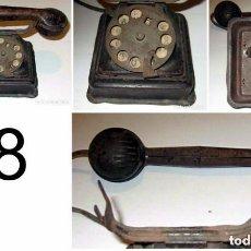 Juguetes antiguos Rico: TELEFONO HOJALATA COLOR NEGRO RICO Y CIA AÑOS 40. Lote 133513294