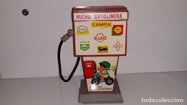 RICO : ANTIGUA HUCHA SURTIDOR DE GASOLINA / GASOLINERA DE HOJALATA Y PLASTICO AÑOS 70 CAMPSA CEPSA (Juguetes - Marcas Clásicas - Rico)