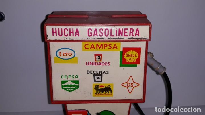Juguetes antiguos Rico: RICO : ANTIGUA HUCHA SURTIDOR DE GASOLINA / GASOLINERA DE HOJALATA Y PLASTICO AÑOS 70 CAMPSA CEPSA - Foto 12 - 135012150