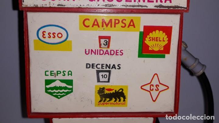Juguetes antiguos Rico: RICO : ANTIGUA HUCHA SURTIDOR DE GASOLINA / GASOLINERA DE HOJALATA Y PLASTICO AÑOS 70 CAMPSA CEPSA - Foto 13 - 135012150