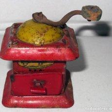 Brinquedos antigos Rico: RICO S.A AÑOS 30 - 40 MOLINILLO DE CAFÉ HOJALATA LITOGRAFIADA EN MUY BUEN ESTADO. Lote 137542706