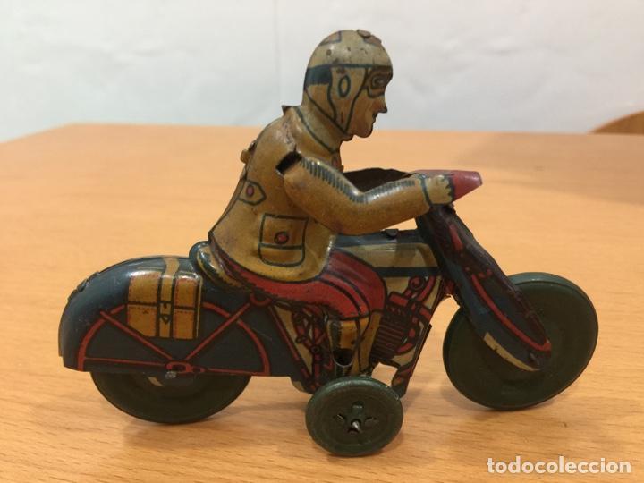 Juguetes antiguos Rico: RICO MOTO HOJALATA AÑOS 40 - Foto 3 - 139333890