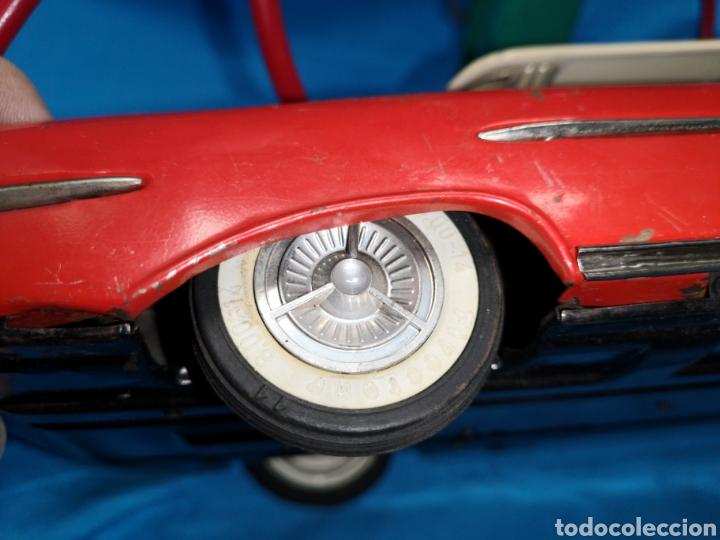 Juguetes antiguos Rico: Precioso coche Oldsmobile de rico cabledirigido. No funciona. Todo metálico. Hojalata. rojo. Años 60 - Foto 13 - 143180788