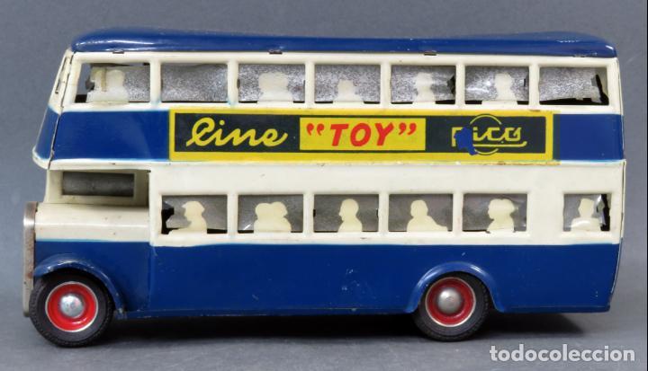 Juguetes antiguos Rico: Autobus dos pisos Rico Line Toy Trenes Eléctricos hojalata pasajeros silueta años 40 - 50 etiqueta - Foto 2 - 144097038