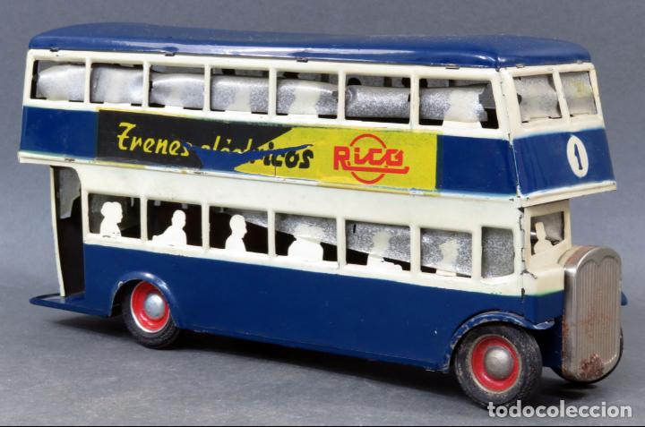 Juguetes antiguos Rico: Autobus dos pisos Rico Line Toy Trenes Eléctricos hojalata pasajeros silueta años 40 - 50 etiqueta - Foto 4 - 144097038
