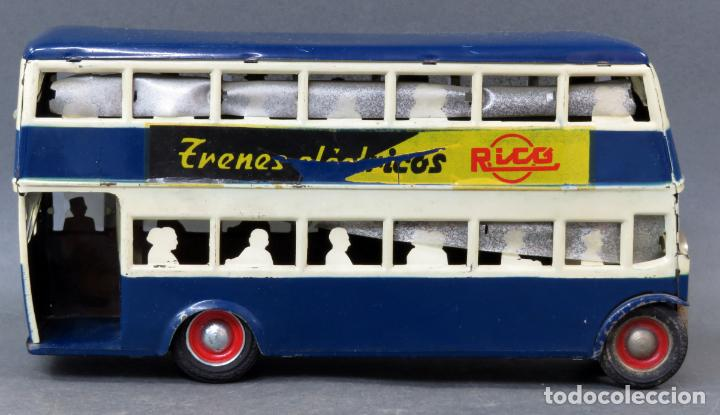 Juguetes antiguos Rico: Autobus dos pisos Rico Line Toy Trenes Eléctricos hojalata pasajeros silueta años 40 - 50 etiqueta - Foto 5 - 144097038