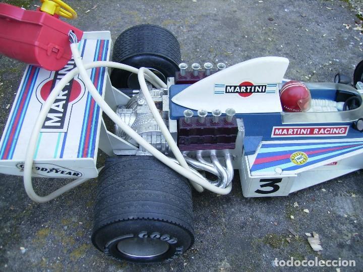 Juguetes antiguos Rico: coche de carreras de rico dirigido plastico años 70 mide unos 60cms no se si funciona - Foto 3 - 152437142