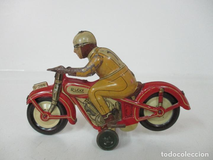 Juguetes antiguos Rico: Preciosa Moto Hojalata Litografiada - Marca Rico I -289 - a Cuerda, Funcionando - Años 30-40 - Foto 2 - 155617322