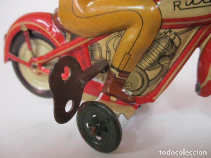 Juguetes antiguos Rico: Preciosa Moto Hojalata Litografiada - Marca Rico I -289 - a Cuerda, Funcionando - Años 30-40 - Foto 11 - 155617322