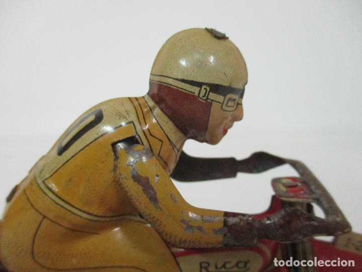 Juguetes antiguos Rico: Preciosa Moto Hojalata Litografiada - Marca Rico I -289 - a Cuerda, Funcionando - Años 30-40 - Foto 12 - 155617322