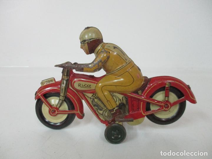 Juguetes antiguos Rico: Preciosa Moto Hojalata Litografiada - Marca Rico I -289 - a Cuerda, Funcionando - Años 30-40 - Foto 18 - 155617322