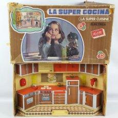 Juguetes antiguos Rico: LA SUPER COCINA ELÉCTRICA. HOJALATA Y RESINA. REF 159. RICO. ESPAÑA. CIRCA 1970.. Lote 168543696