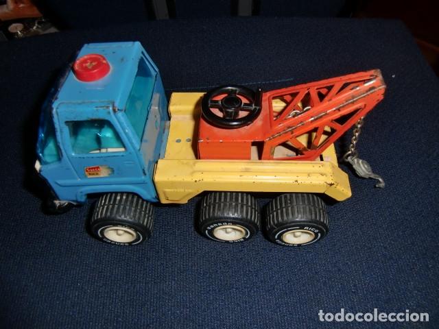 Juguetes antiguos Rico: camion grua de lata metalico - rico - mini sanson grua - Foto 2 - 179098480