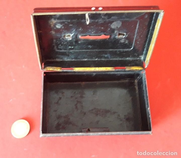 Juguetes antiguos Rico: HUCHA EN HOJALATA DE RICO - Foto 3 - 179536553