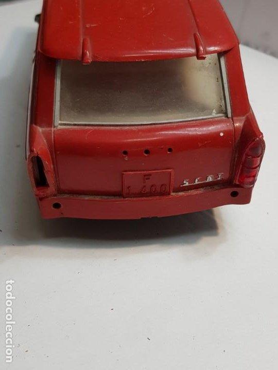 Juguetes antiguos Rico: Coche Seat 1400 JEFE BOMBEROS friccion de RICO ROJO muy dificil - Foto 4 - 183542698