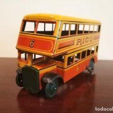 Juguetes antiguos Rico: ANTIGUO BUS DE 2 PISOS RICO REF. 119 DE HOJALATA LITOGRAFIADA AUTOBUS EN PERFECTO ESTADO. Lote 193004960