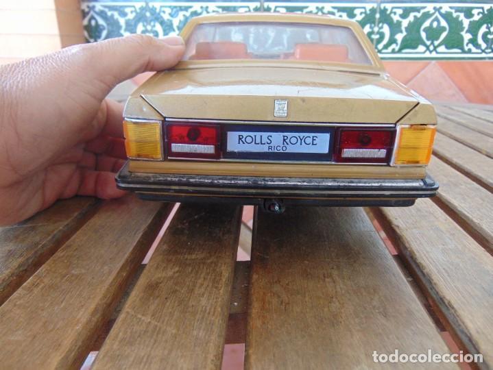 Juguetes antiguos Rico: COCHE CABLE-DIRIGIDO DE RICO ROLLS ROYCE PIEZAS O RESTAURAR FALTA UNA RUEDA, CABLE Y MANDO - Foto 5 - 194321805