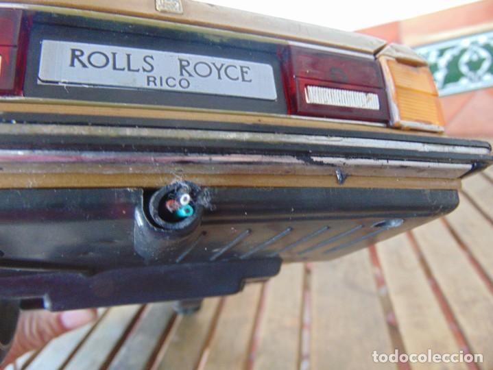 Juguetes antiguos Rico: COCHE CABLE-DIRIGIDO DE RICO ROLLS ROYCE PIEZAS O RESTAURAR FALTA UNA RUEDA, CABLE Y MANDO - Foto 18 - 194321805