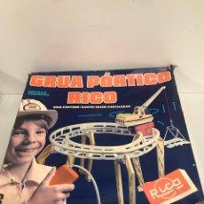 Juguetes antiguos Rico: GRÚA PÓRTICO DE RICO. Lote 194970950