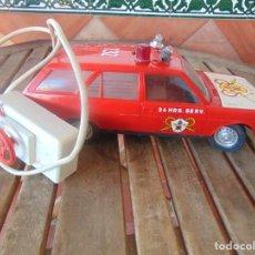 Juguetes antiguos Rico: COCHE DE BOMBEROS DE JUGUETES RICO SEAT 131 CABLE-DIRIGIDO PIEZAS O RESTAURAR. Lote 195463180