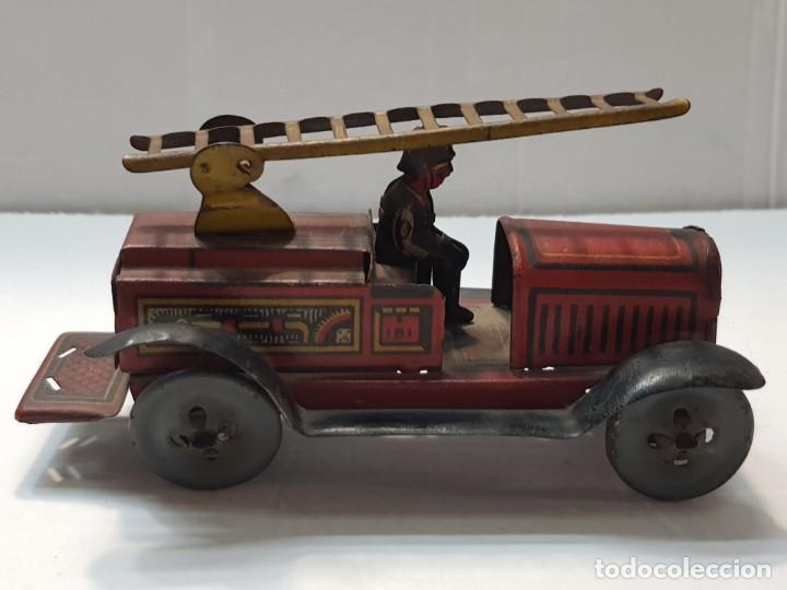 Juguetes antiguos Rico: Camión Hojalata y cuerda Bomberos de Rico años 30 original y escaso - Foto 2 - 199575503