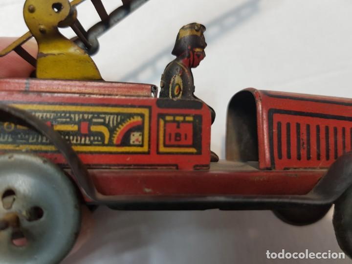 Juguetes antiguos Rico: Camión Hojalata y cuerda Bomberos de Rico años 30 original y escaso - Foto 8 - 199575503