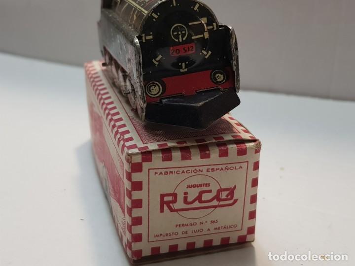 Juguetes antiguos Rico: Locomotora hojalata Rico ref.144 en caja original primera generación - Foto 3 - 199577786