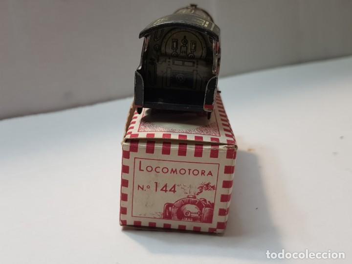 Juguetes antiguos Rico: Locomotora hojalata Rico ref.144 en caja original primera generación - Foto 4 - 199577786