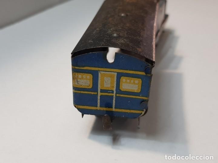 Juguetes antiguos Rico: Tren Renfe de Hojalata RSA de Rico años 30 totalmente original Difícil - Foto 5 - 199578527