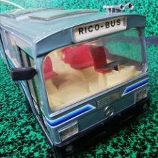 Brinquedos antigos Rico: AUTOBUS MERCEDES BENZ DE RICO - CABLE DIRIGIDO - FUNCIONA -. Lote 203349171