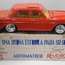 Juguetes antiguos Rico: MERCEDES BENZ 250 S ATOMATICO DE RICO AÑOS 60. LE FALTA LA INSIGNIA DE MERCEDES. Lote 205525093
