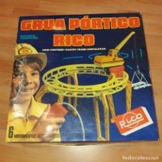 Juguetes antiguos Rico: GRUA PORTICO DE RICO. Lote 237337455