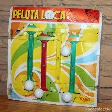 Juguetes antiguos Rico: ANTIGUO EXPOSITOR JUGUETERIA DE LA PELOTA LOCA, DE RICO - AÑOS 70 - CONSERVA 4 UNIDADES. Lote 240662270