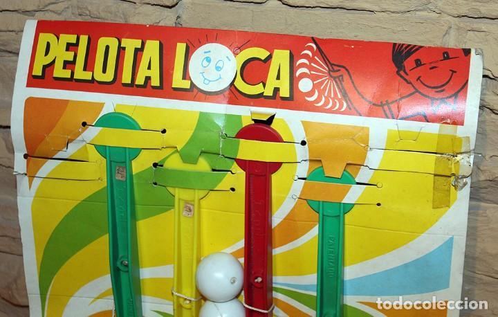 Juguetes antiguos Rico: ANTIGUO EXPOSITOR JUGUETERIA DE LA PELOTA LOCA, DE RICO - AÑOS 70 - CONSERVA 4 UNIDADES - Foto 2 - 240664845