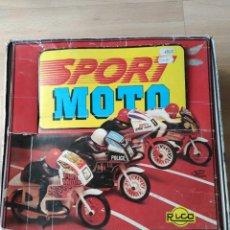 Giocattoli antichi Rico: EXPOSITOR CON 8 MOTORISTAS, DE JUGUETES RICO. Lote 240795795