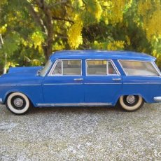 Brinquedos antigos Rico: RICO, SEAT 1400C FAMILIAR COMPLETO,LA FRICCIÓN FUNCIONA BIEN. Lote 242124890