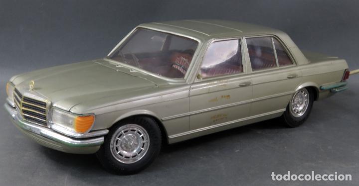 Juguetes antiguos Rico: Mercedes 450 SE Rico Diplomático Eléctrico Conducido cabledirigido años 70 Funciona - Foto 2 - 245232810