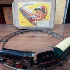 Brinquedos antigos Rico: JUGUETES RICO TREN A CUERDA MODELO RENFE 1010 COMPLETO CON CAJA ORIGINAL. Lote 293707018
