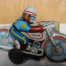 Juguetes antiguos Román: MOTO DE POLICIA 10CM - ROMÁN. Lote 147922813