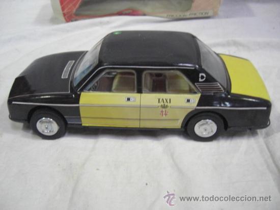 Juguetes antiguos Román: Seat. 132 L. Taxi de Barcelona. De la casa Román. - Foto 3 - 26420446