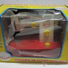 Juguetes antiguos Román: MAQUINA DE COSER ROMAN, ELECTRICA, EN CAJA. ( VER ) CC . Lote 34209880